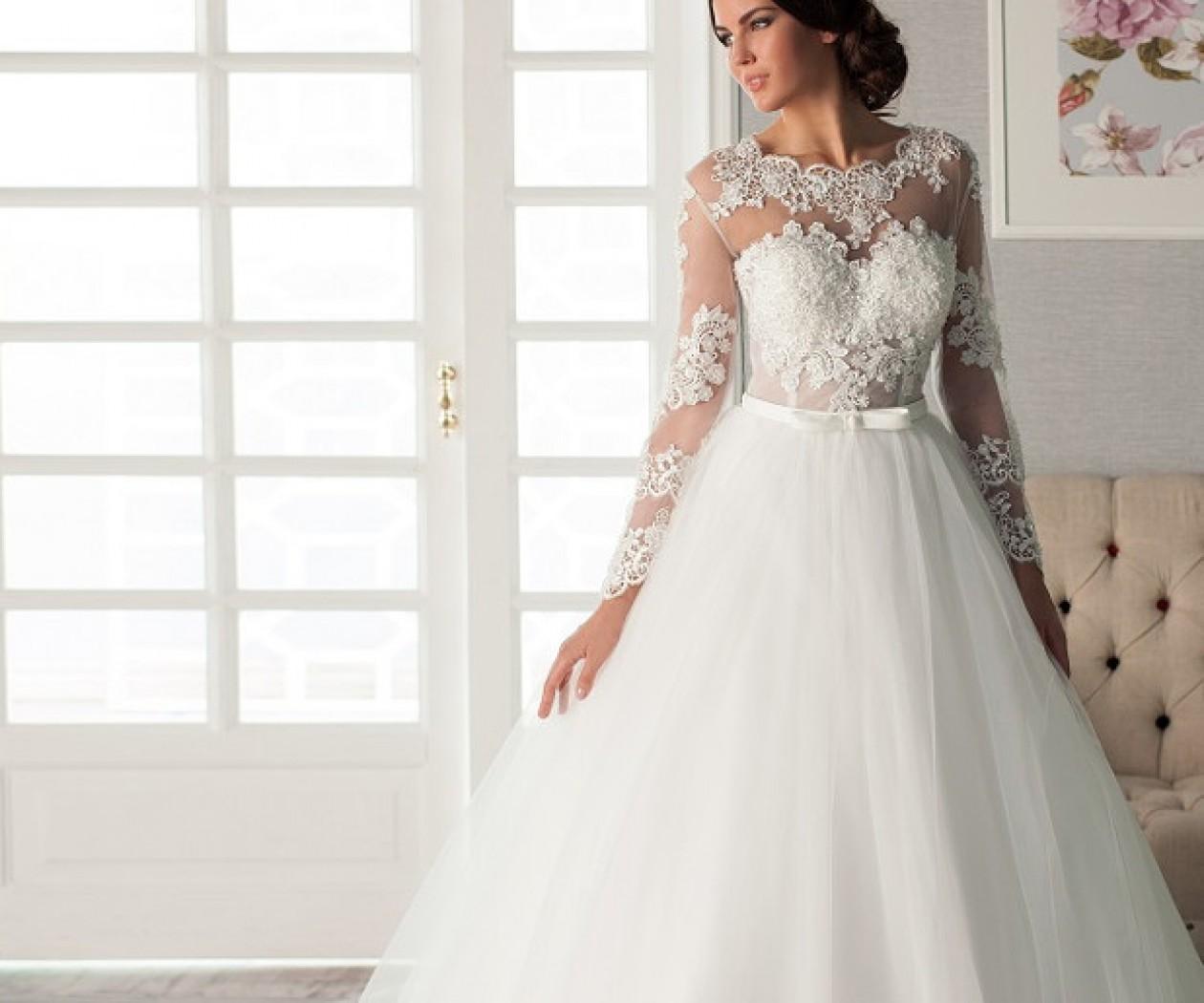 c32b2a1ba684c39 Как выбрать свадебное платье с кружевными рукавами: с короткими или ...